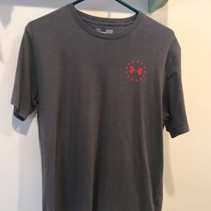 Men's Under Armour tee shirt Gently used!